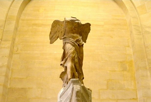 Winged Victory statue, Louvre
