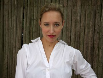 Elisabeth Eaves author photo Wanderlust