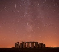 Photo You Must See: Shooting Star Over Stonehenge