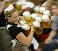 Photo You Must See: Mugging for the Camera at Oktoberfest
