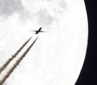 Photo You Must See: Vapor Trails and Moonlight