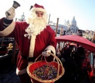Photo You Must See: Santa and his Gondola